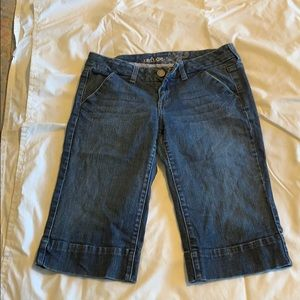 Refuge mid length shorts